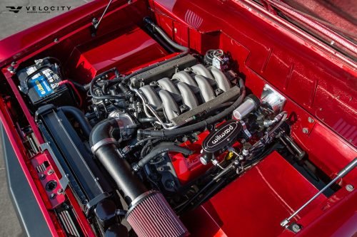 Classic Ford Bronco 5.0 coyote engine