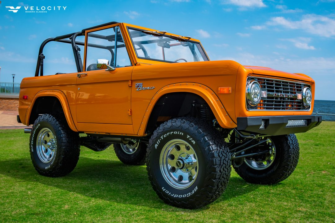 Classic Ford Bronco passenger front 3/4