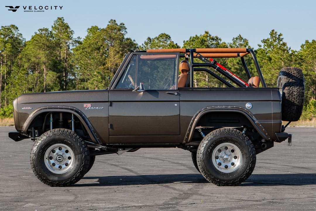 Classic Ford Bronco Drivers side Profile