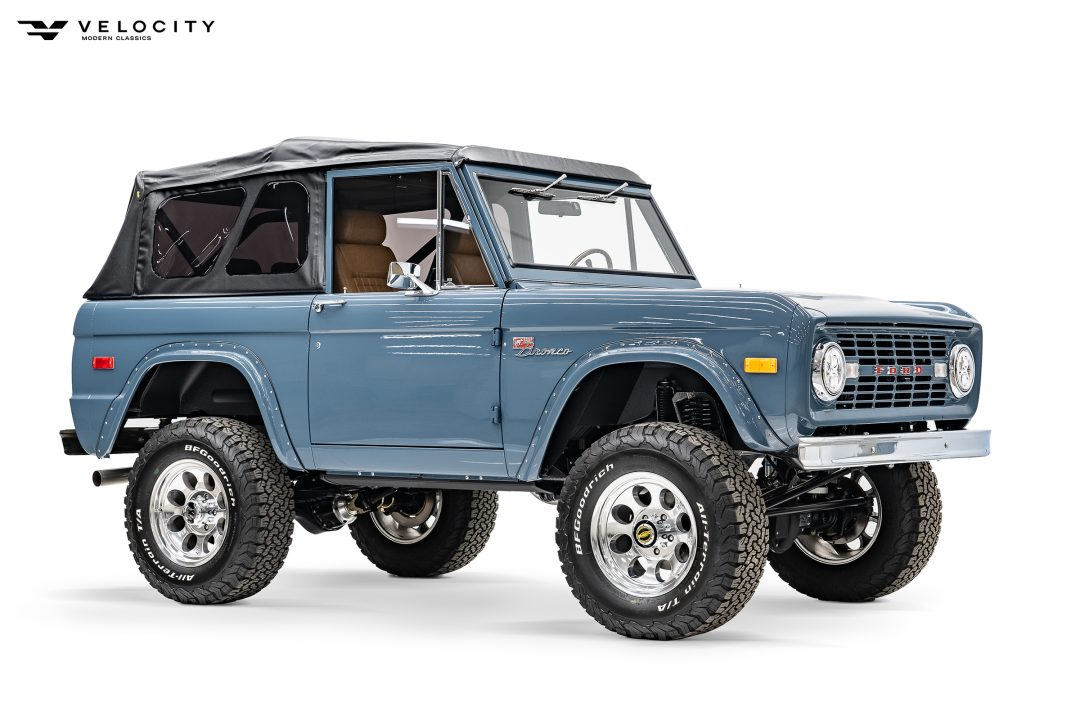 Classic Ford Bronco Soft Top Front Passenger Side 3/4